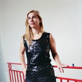 Barbara Carlotti par Arno Paul