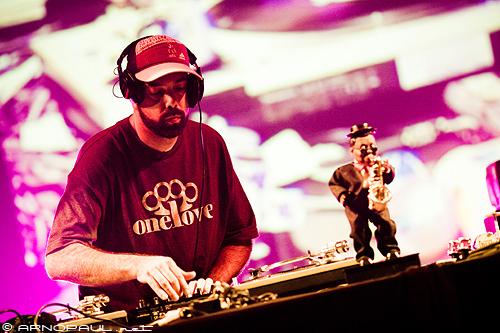 Nu-Mark, DJ de Jurassic 5